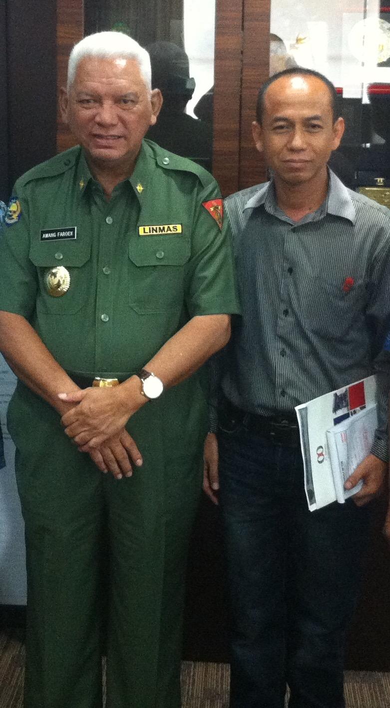 Prof. DR. Awang Faroek Ishak.,M.Si  Gubernur Kalimantan Timur.